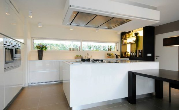 Stijlvolle witte keuken